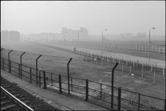 Alexanderufer,  Dødszonen mellem Øst- og Vestberlin. I baggrunden Rigsdagsbygningen.