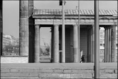 Brandenburger Tor, i baggrunden Unter den Linden.