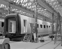 Model i fuld størrelse under opbygning på DSBs Centralværksted i København. November 1984.